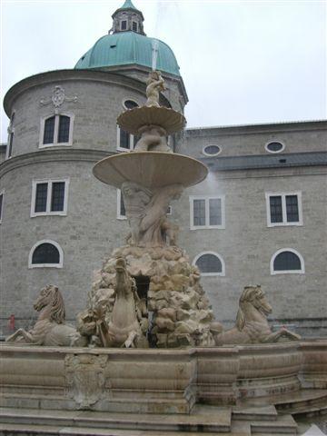 レジデンツ広場の噴水