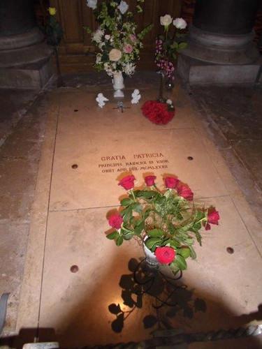 故グレース・ケリー妃のお墓