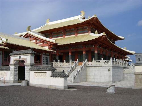 宮殿の横側