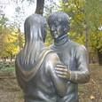チュンサンとユジンの銅像