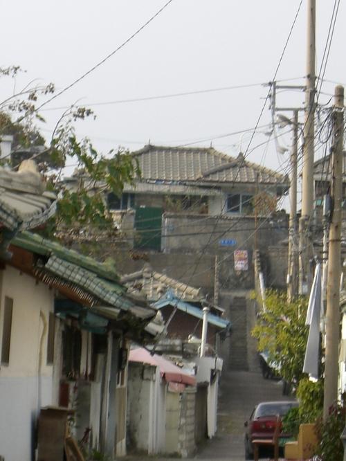 ユジンの家近くの階段