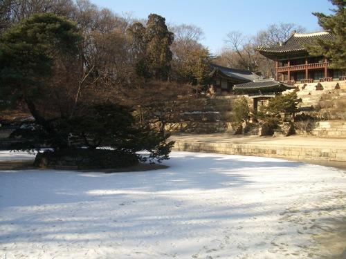 昌徳宮の芙蓉池(プヨンジ)