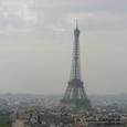 凱旋門上から見えるエッフェル塔