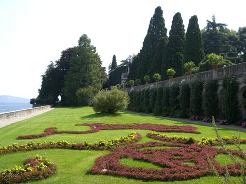 宮殿の庭園