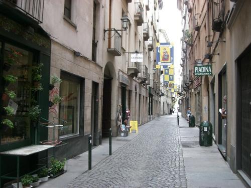 トリノの石畳路地