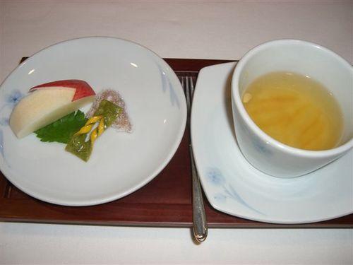 宮廷茶菓子と果物