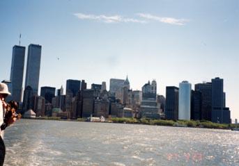 ニューヨーク・リバティ島へのフェリー船上から